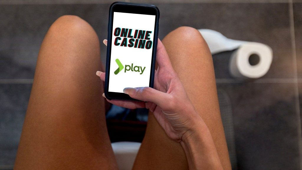 Girl plays online casino in the toilet